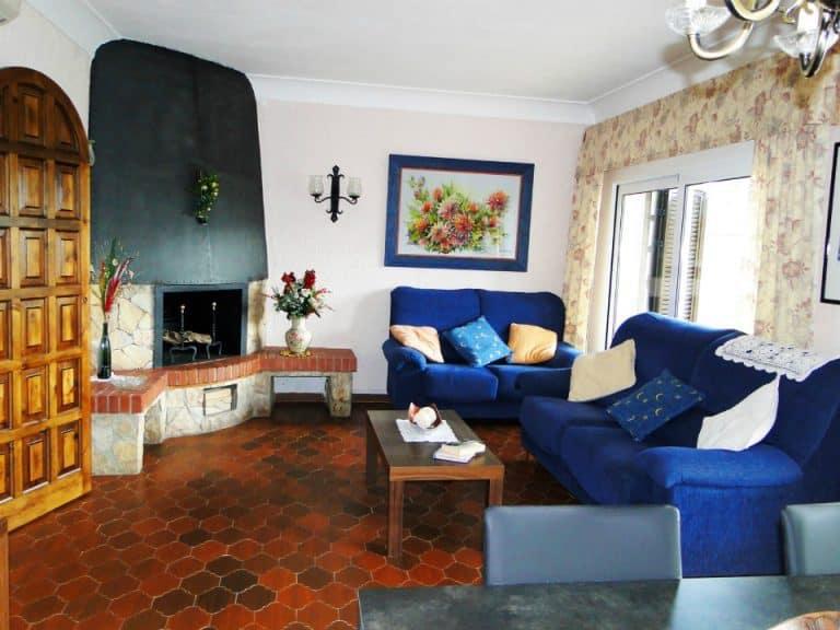 Apt 1er Carboneres 1CA-421 Living Room 960x720